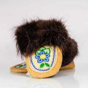 Children's Size 11 Moccasins featuring Beaded Daisy Design