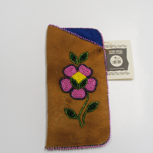 Moose Hide Glasses Case – Beaded Dark Pink Flower Design