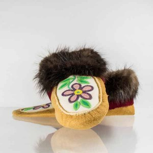 Handmade Moccasins Mens 8/ Womens 9 Light Purple Flower