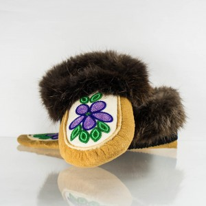 Hand-Made Moccasins Mens 9/ Womens 10 Purple Flower