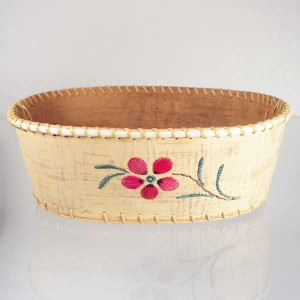 Birch Bark Oval Fruit Bowl – Pink Flower Quillwork